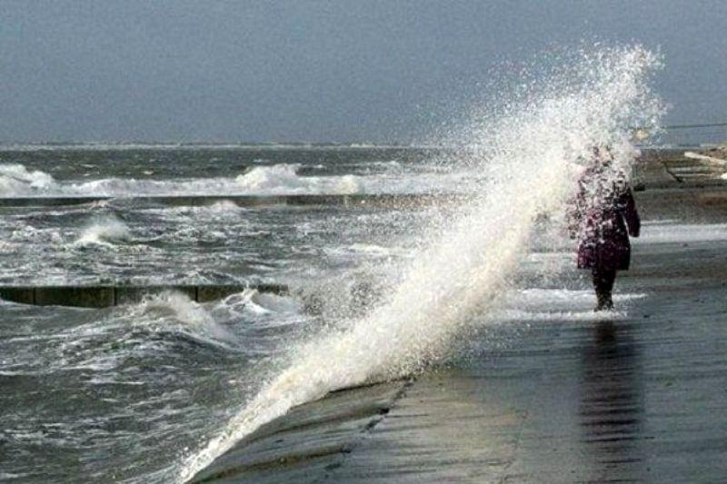 خلیج فارس متلاطم میشود/شناورهای سبک از تردد خودداری کنند
