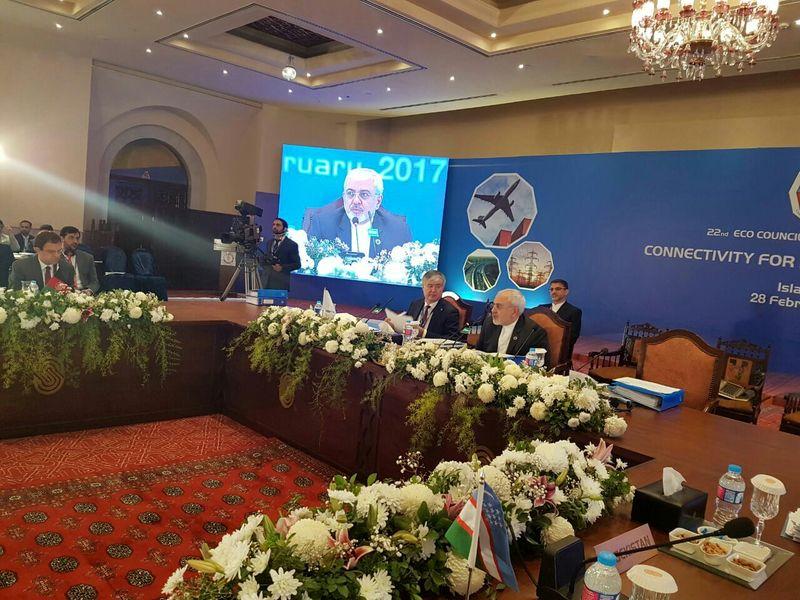 سخنرانی ظریف در اجلاس اکو آغاز شد
