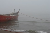 مه شدید اسکله مسافری قشم را تعطیل کرد