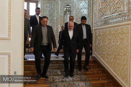 دیدار اعضای فراکسیون حماس با محمدجواد ظریف