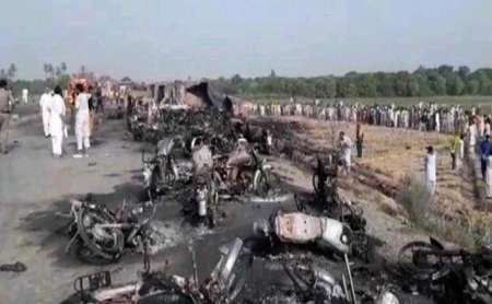 123 کشته و 130 زخمی در پی واژگونی تانکر نفت در'باهاوالپور' پاکستان