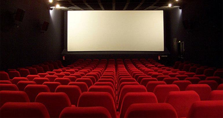 بندرلنگه دارای سینما می شود