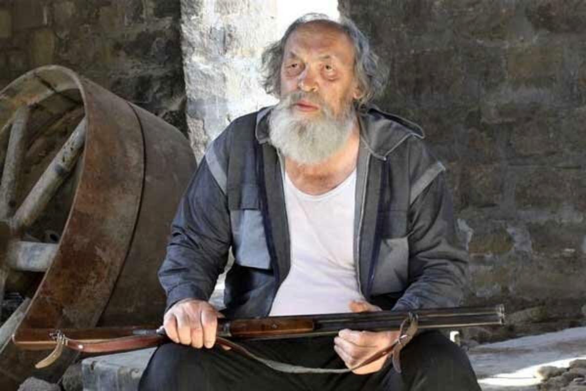 فیلم سینمایی «مراسم تدفین کلاغها» در سینماهای هنر و تجربه