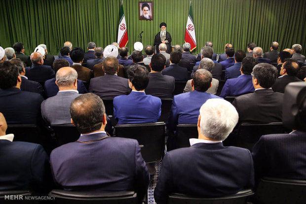 نمایندگان مجلس با رهبر انقلاب دیدار کردند
