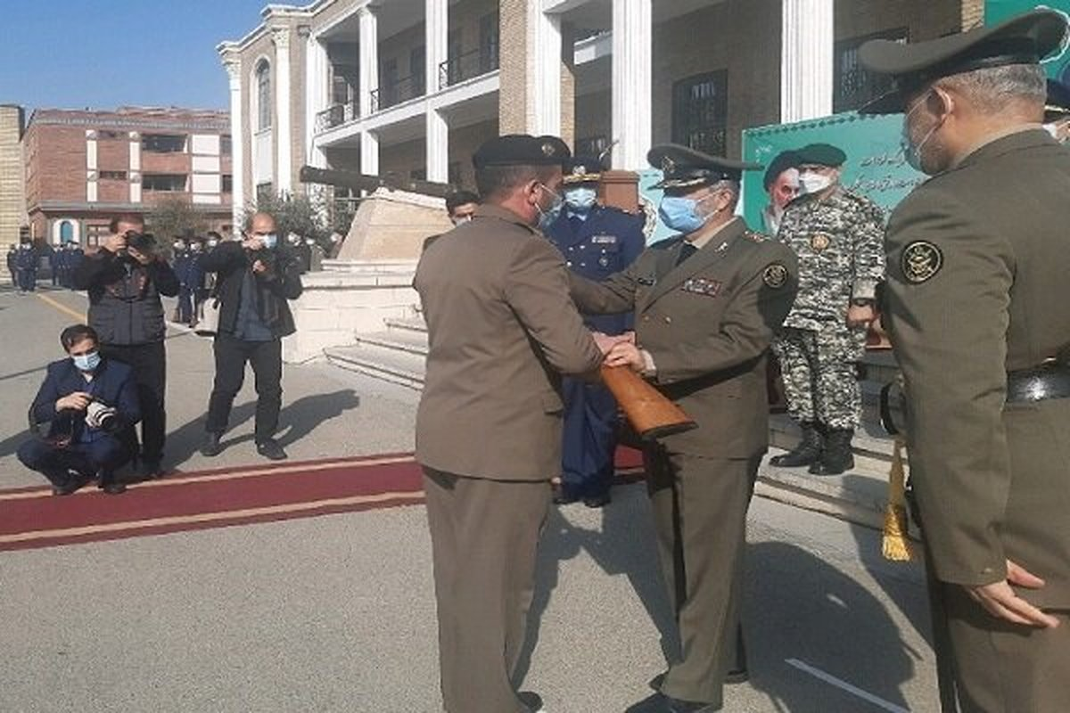 برگزاری مراسم دانش آموختگی دانشجویان دافوس ارتش با حضور سرلشکر موسوی
