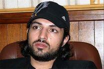 حضور اشکان خطیبی به عنوان خواننده در یک کنسرت